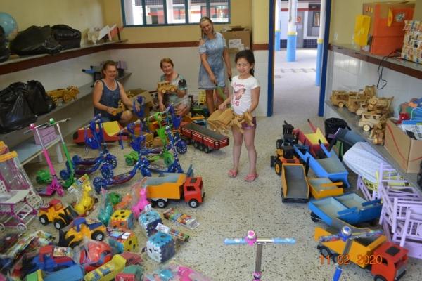 Novos brinquedos são entregues na EMEI Aquarela