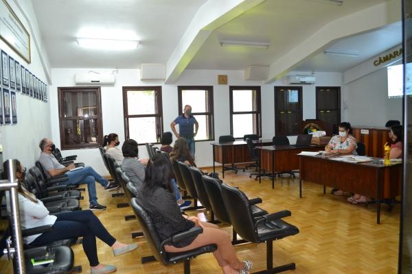 SMED apresenta em reunião do Conselho esboço de decreto sobre início do ano letivo