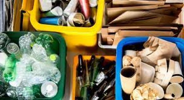 Recolhimento de lixo doméstico e recicláveis em Nova Palma
