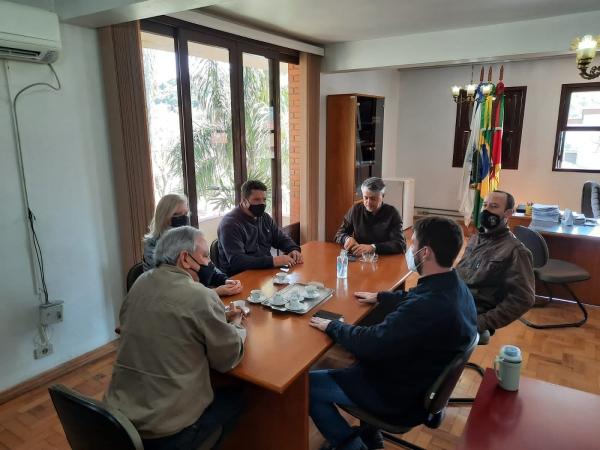 Representantes da UFSM e Promotor visitam Nova Palma para tratar do Museu Municipal
